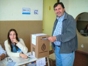 111023 Elecciones 2011 Enrique Wallace