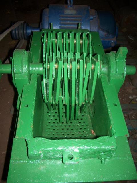 1381795906_513245525_9-Moledora-de-granos-con-motor-de-135-hp-
