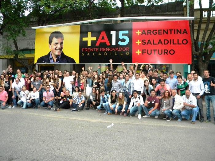 141129 Jovenes Frente R
