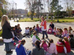 150612 Lectura en la plaza (1)